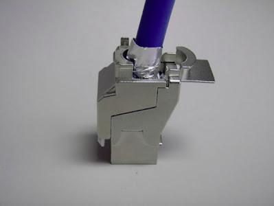 Close jaw of the cat6a shielded jack